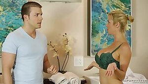 Alexis Fawx Gets Fucked At A Massage Parlor