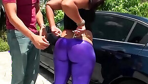 RealityKings Round and Brown Purple Shaker
