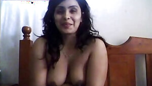 Sexy indian aunty on cam for hubby