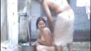 desi bhabhi bathing and fucking with devar
